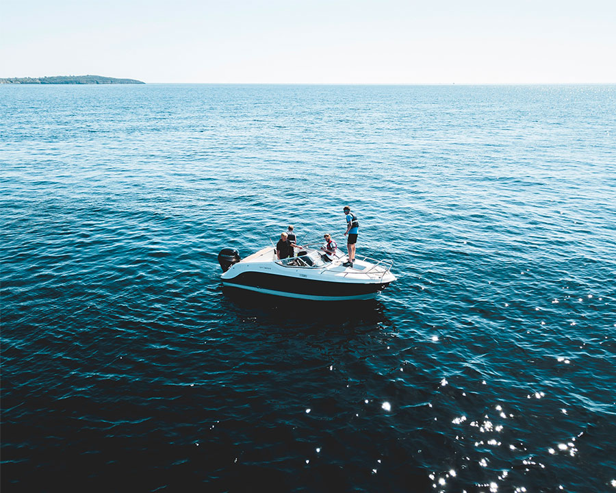 Photo société Larocque Yachting spécialisé dans la vente de bateaux d'occasion à la Rochelle