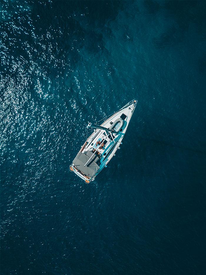 Photo achat bateau d'occasion à La rochelle avec Larocque Yachting